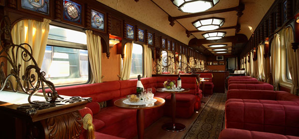 Golden-Eagle-Trans-Siberian-bar-car_x2G-600280
